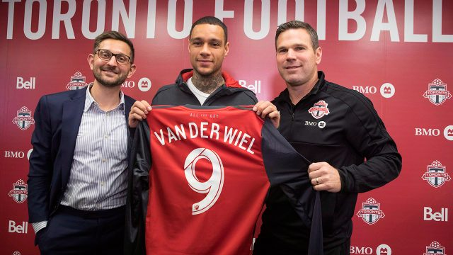 Toronto-FC's-new-signing-Gregory-Van-Der-Wiel-poses-for-a-photo