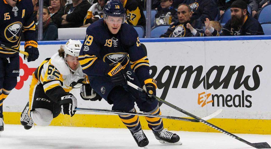 Buffalo-Sabres-defenceman-Jake-McCabe
