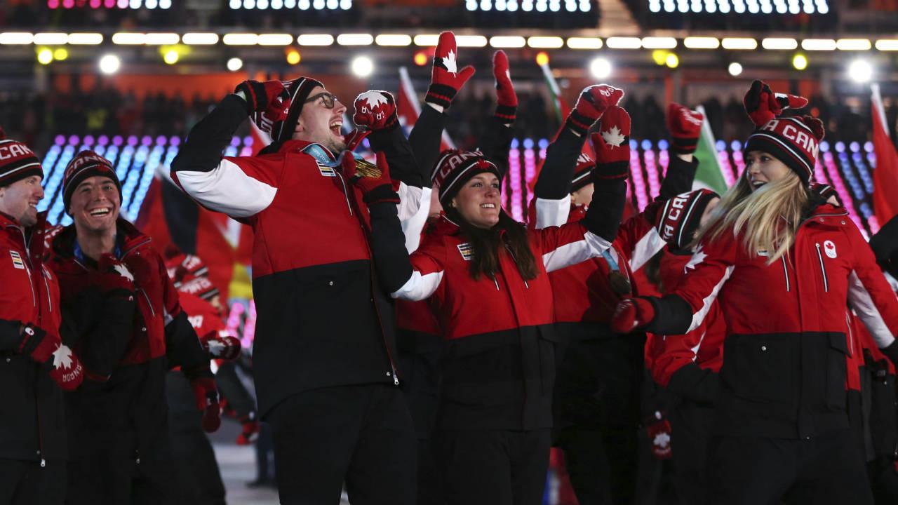 Team-Canada-walks-into-the-stadium-during-the-closing-ceremony-of-the-2018-Winter-Olympics-in-Pyeongchang,-South-Korea,-Sunday,-Feb.-25,-2018.-(Natacha-Pisarenko/AP)