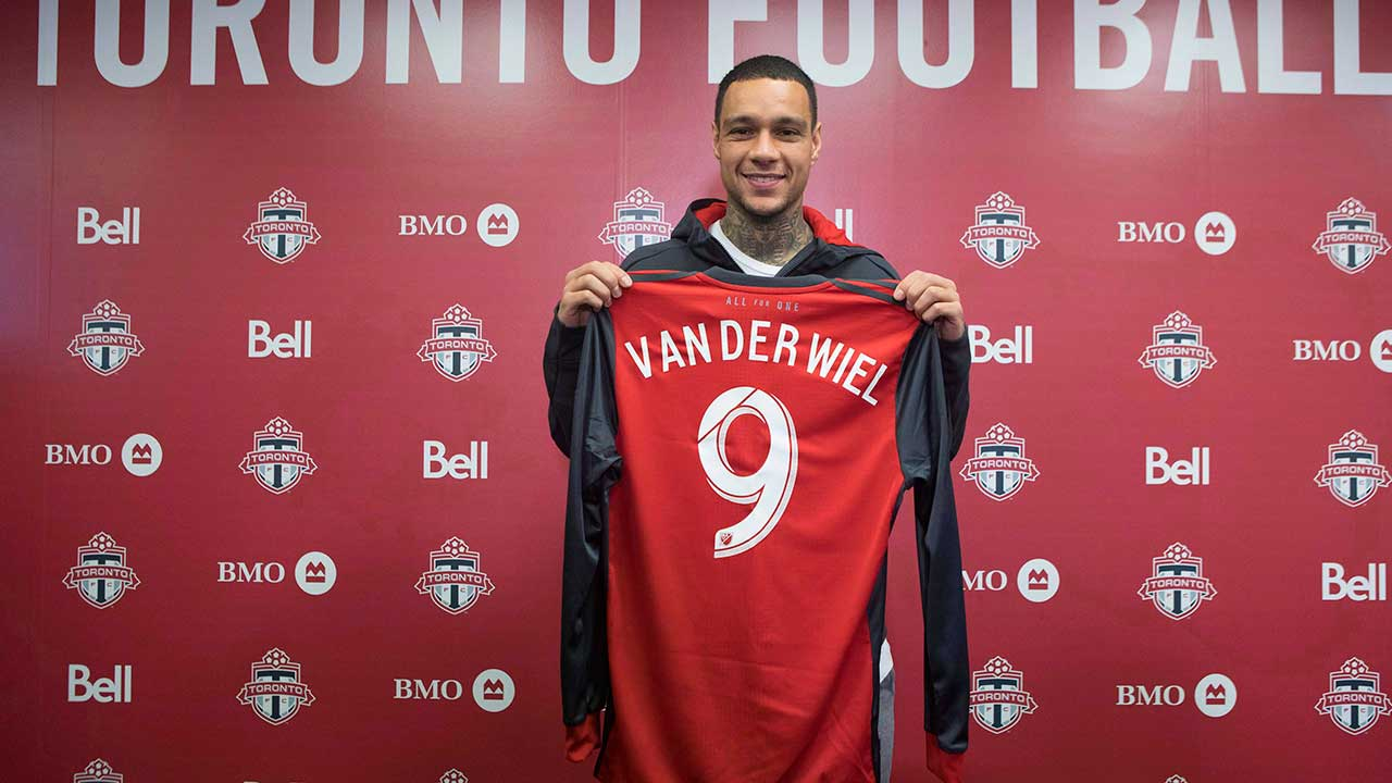 Toronto-FC's-new-signing-Gregory-van-der-Wiel