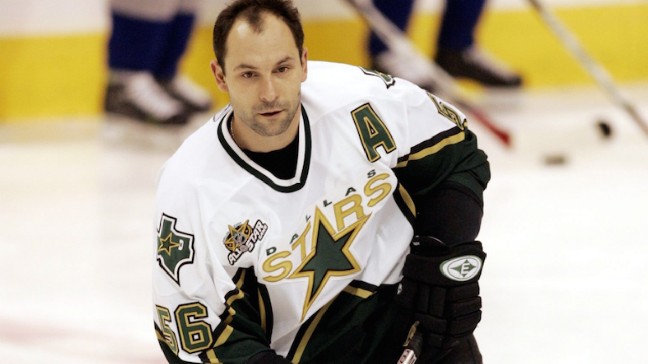 Dallas-Stars-defenceman-Sergei-Zubov-skates-during-warmup-at-GM-Place-in-Vancouver-Wedneday-January-3,-2007.(/Chuck-Stoody/CP)