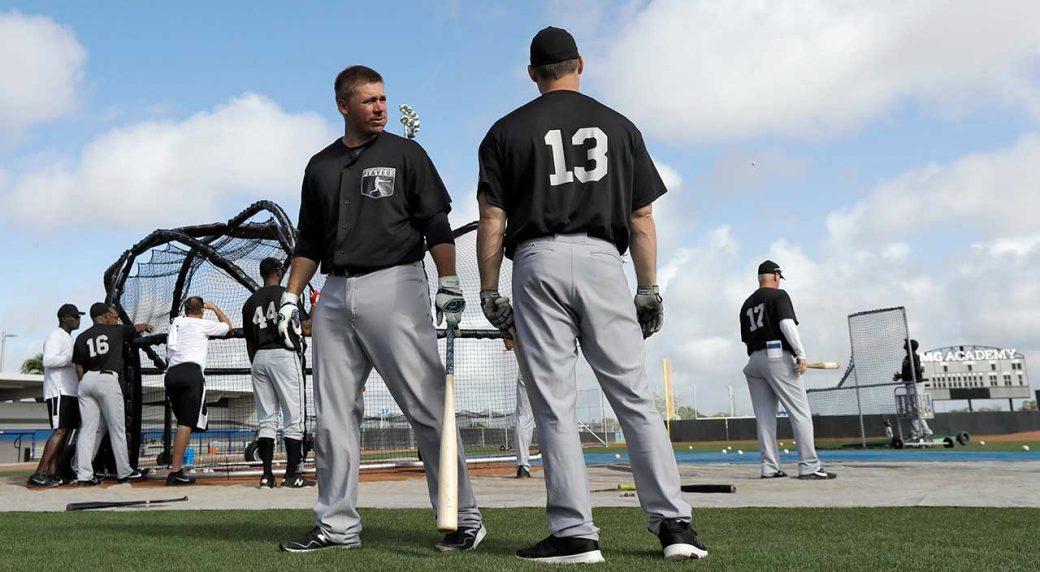 Major-League-Baseball-free-agent-catcher-Steve-Clevenger,-left,-and-Cody-Stanley