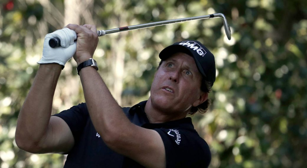 Phil-Mickelson,-of-the-U.S.,-watches-his-shot-on-the-17th-hole-during-the-third-round-of-the-Mexico-Championship-at-the-Chapultepec-Golf-Club-in-in-Mexico-City,-Saturday,-March-3,-2018.-(Eduardo-Verdugo/AP