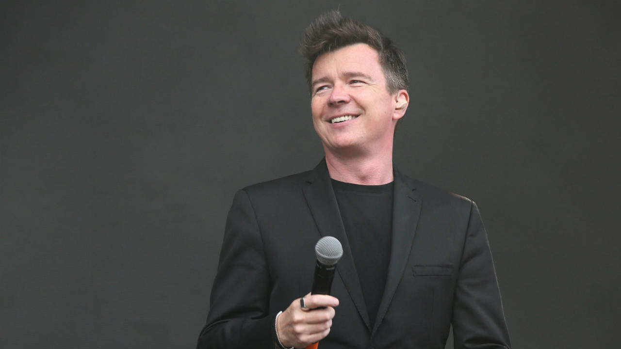 Rick-Astley-performs-on-the-MTV-Stage-as-part-of-the-V-Festival-at-Hylands-Parks,-Chelmsford,-Saturday,-Aug-20,-2016.-(Photo-by-Joel-Ryan/Invision/AP)