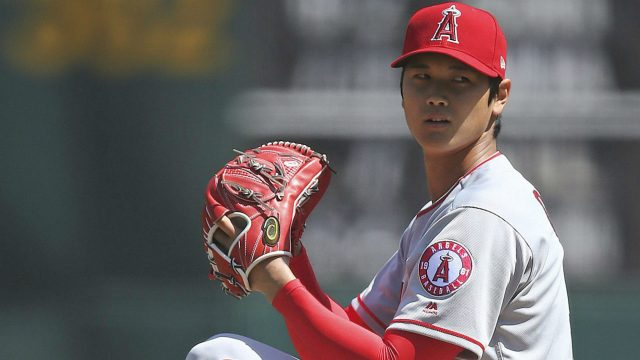 Los-Angeles-Angels'-Shohei-Ohtani-works-against-the-Oakland-Athletics-during-the-first-inning-of-a-baseball-game-on-Sunday,-April-1,-2018-in-Oakland,-Calif.-(AP-Photo/Ben-Margot)