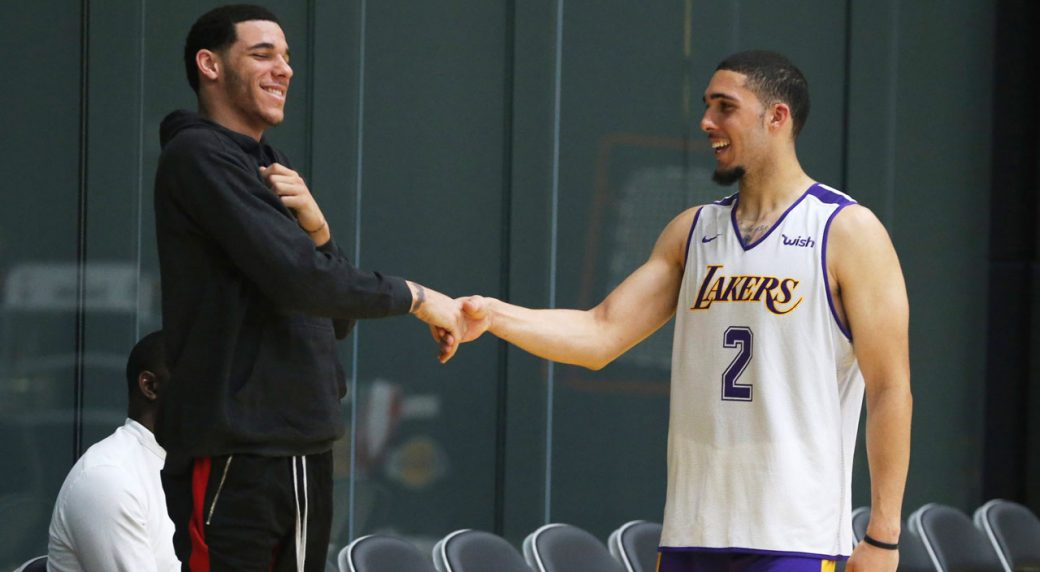 the best attitude 98164 92cd5 LiAngelo Ball works out for Lakers with brother Lonzo ...