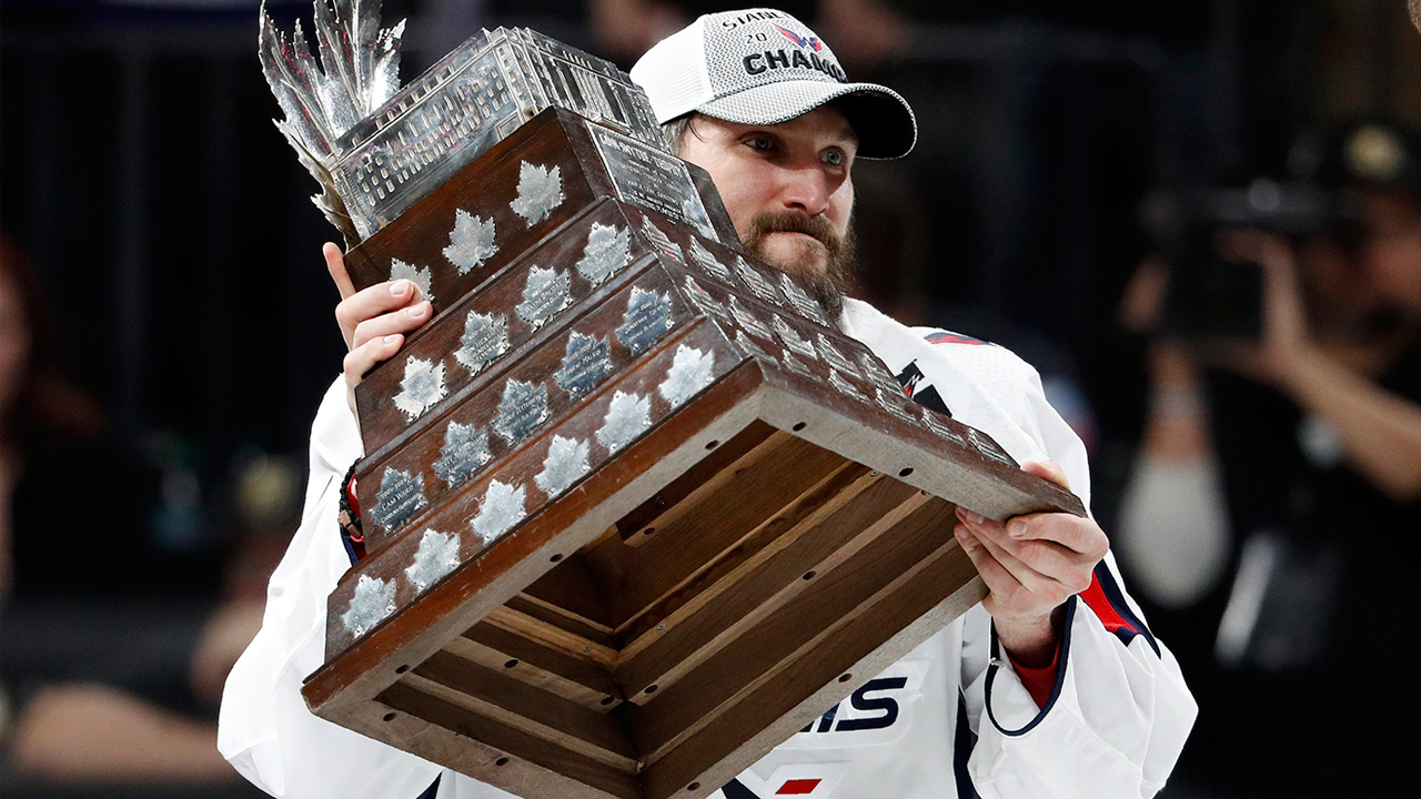 https://www.sportsnet.ca/wp-content/uploads/2018/06/OvechkinConnSmythe.jpg