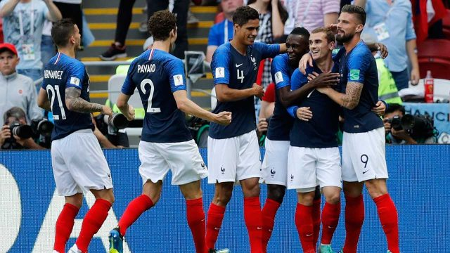 antoine-griezmann-celebrates-with-france-teammates