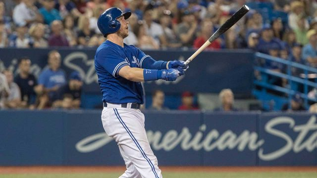 blue-jays-justin-smoak-hits-walk-off-home-run-against-tigers