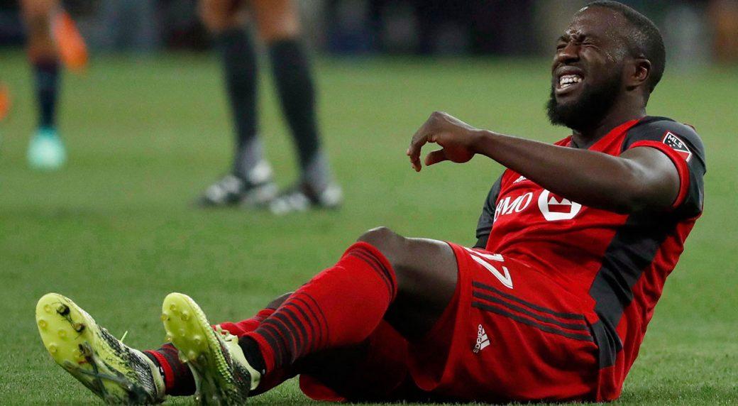 MLS-TFC-Jozy-Altidore-injured-on-pitch