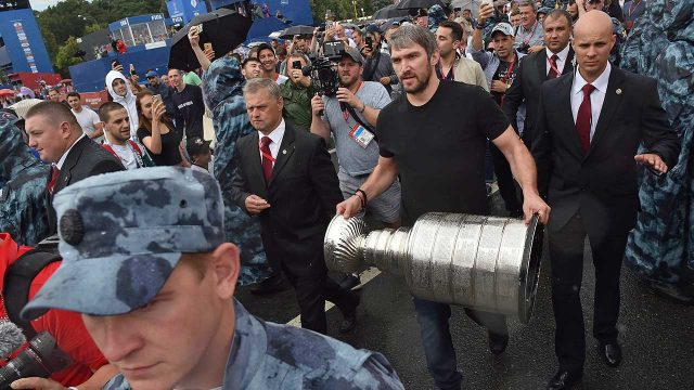 alex-ovechkin-holds-stanley-cup-at-world-cup