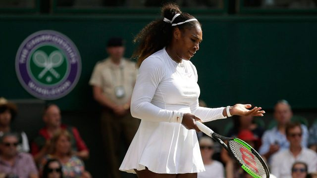 serena_williams_reacts_after_losing_a_point