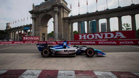 takumo-sato-races-past-princes-gate-at-honda-indy-toronto