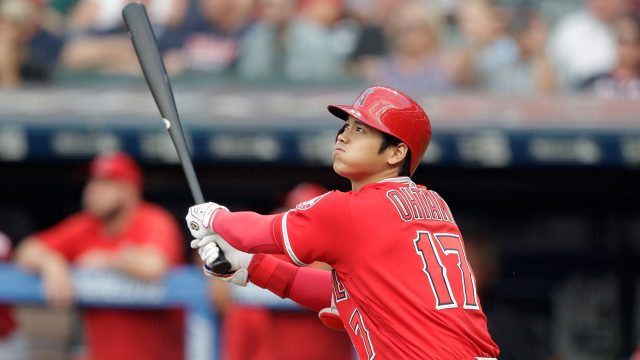 MLB-Angels-Ohtani-watches-home-run