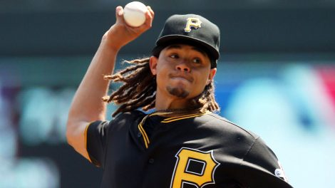 MLB-Pirates-pitcher-Chris-Archer-pitching-against-Twins