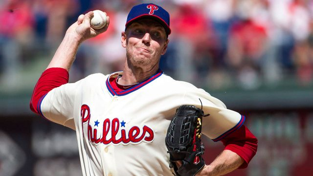 MLB-Roy-Halladay-pitching-for-Phillies