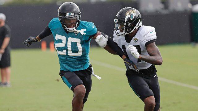 NFL-Jaguars-Ramsey-defending-during-practice