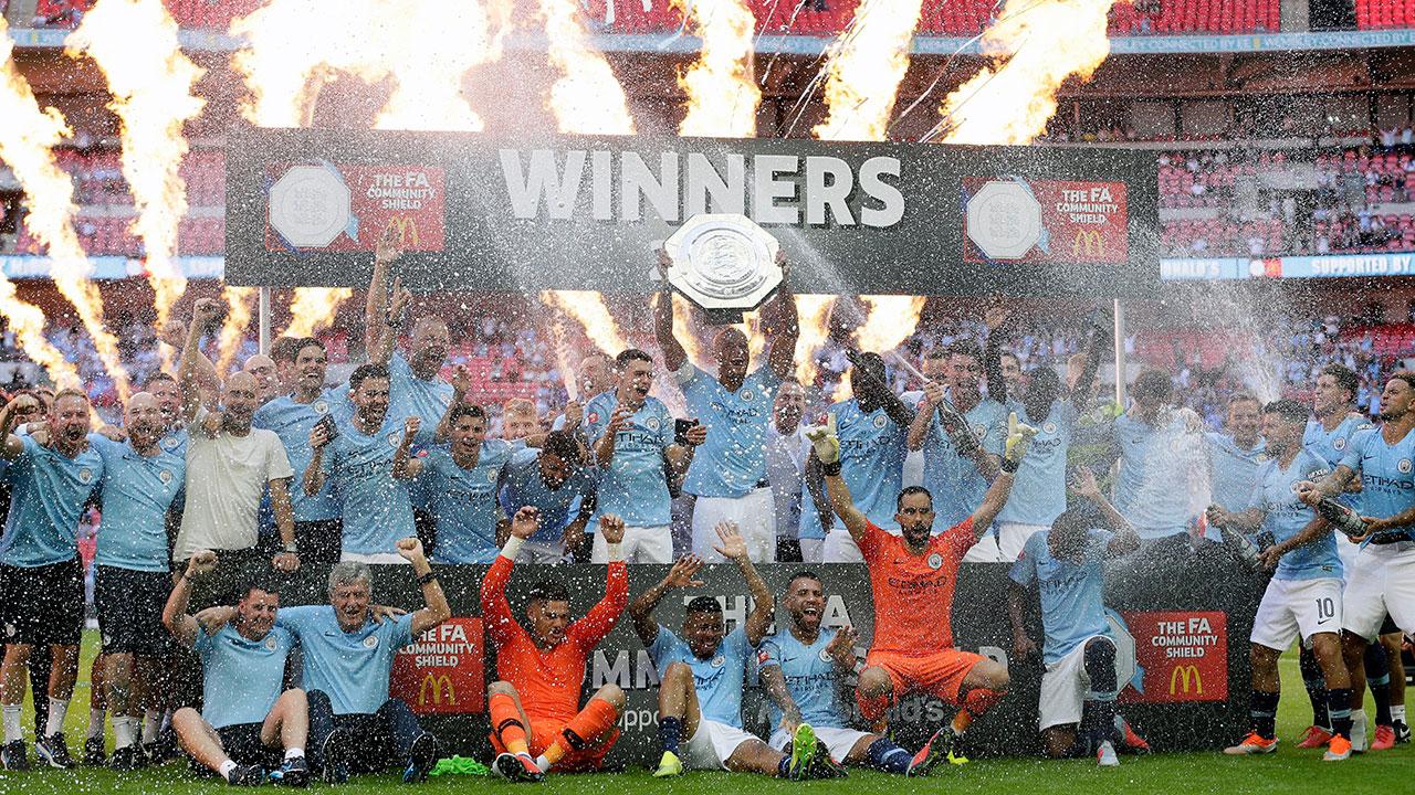 manchester_city_celebrate_winning_the_community_shield