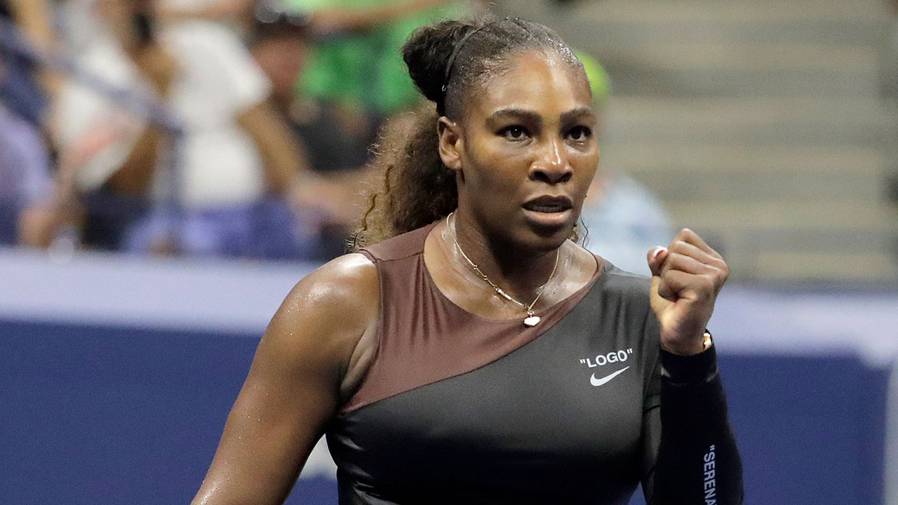 serena_williams_reacts_after_winning_a_point