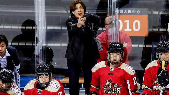 kunlun-red-star-head-coach-digit-murphy-calls-out-from-bench