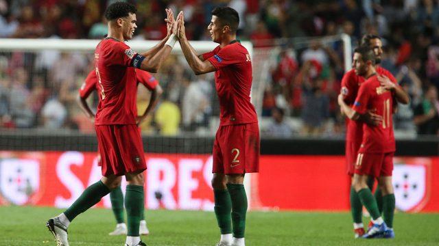 Soccer-Portugal-celebrates-win-over-Italy