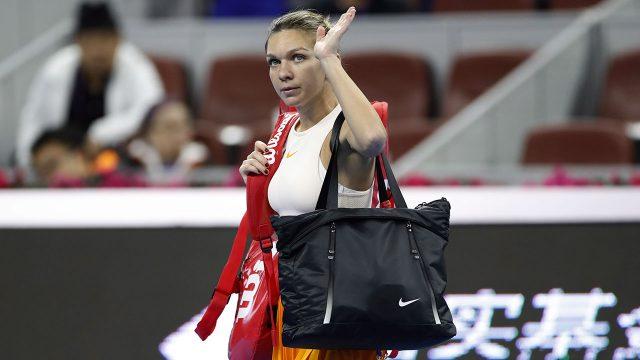 Tennis-WTA-Simona-Halep-waves-to-fans