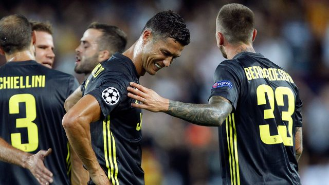 cristiano_ronaldo_is_consoled_after_receiving_a_red_card