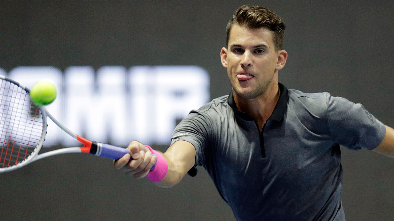dominic_thiem_plays_a_forehand