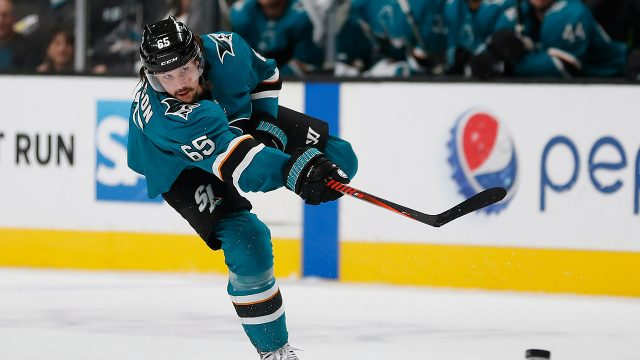 erik-karlsson-sharks-debut-flames