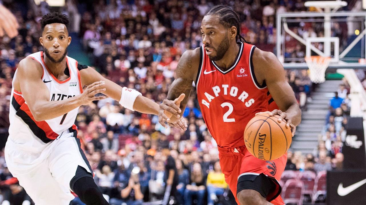 kawhi_leonard_drives_to_the_basket