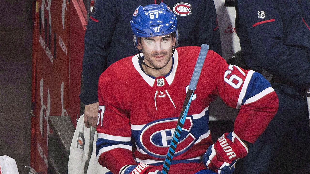 max_pacioretty_sits_during_play