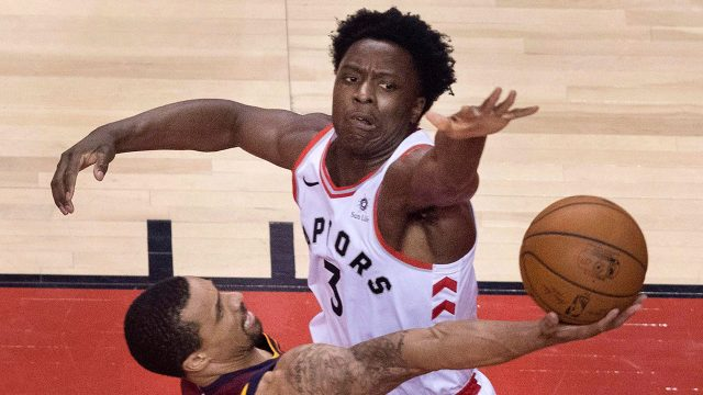 NBA-Raptors-Anunoby-blocks-Cavaliers-George-Hill
