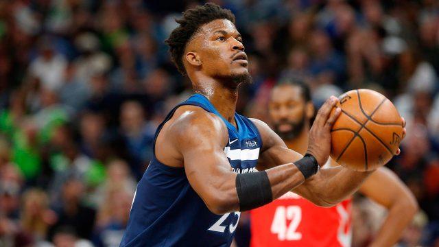 NBA-Timberwolves-Butler-shoots-against-the-Rockets