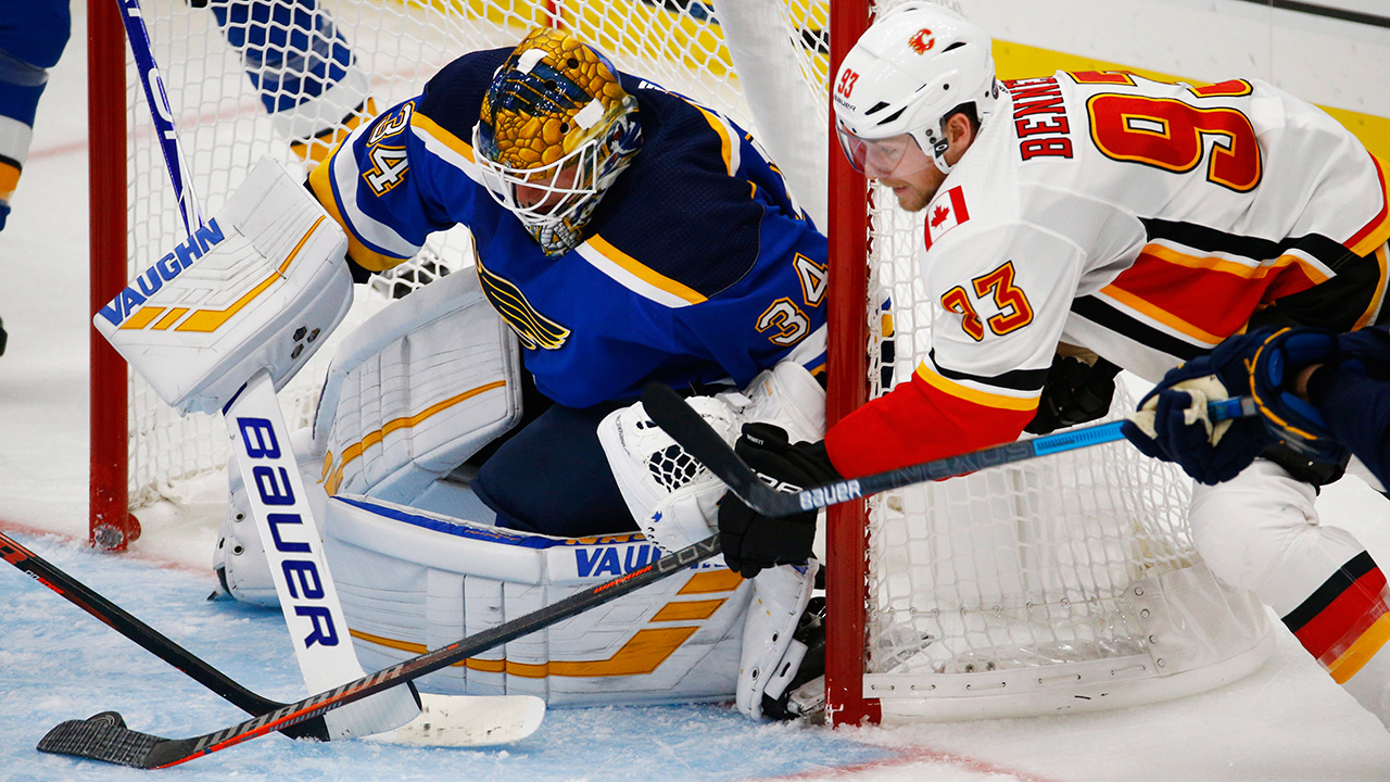 NHL-Flames-Sam-Bennett-shoots-against-Blue