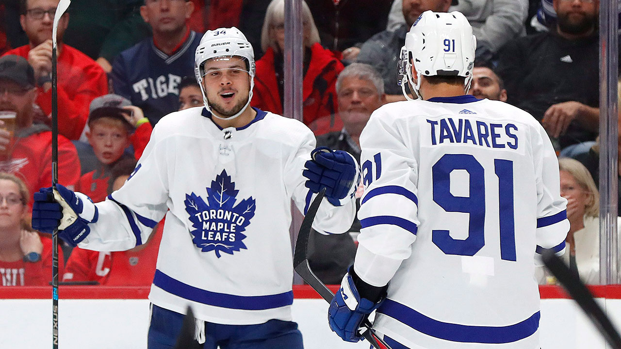 NHL-Maple-Leafs-Matthews-celebrates-with-Tavares