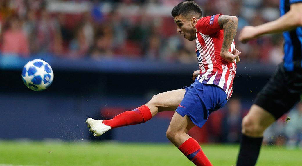 Soccer-Atletico-Correa-shoots-on-goal