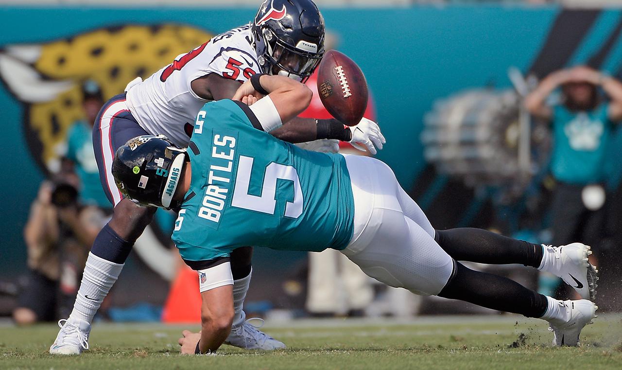 jaguars-quarterback-blake-bortles-fumbles-against-texans