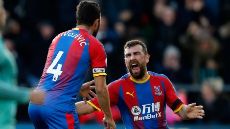luka_milivojevic_celebrates_after_scoring