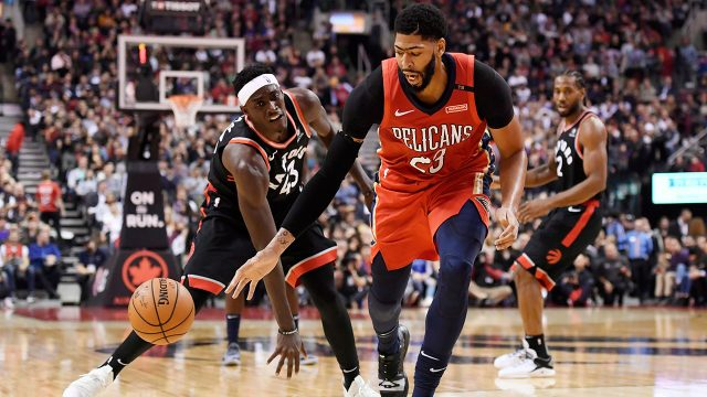 NBA-Pelicans-Davis-dribbles-against-Raptors