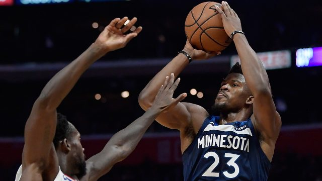 NBA-Timberwolves-Butler-shoots-against-Clippers