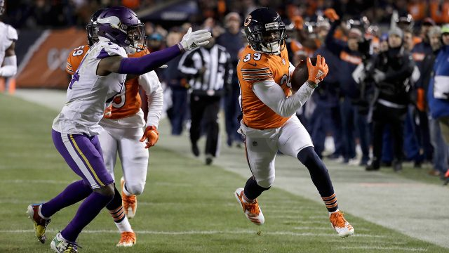 NFL-Bears-Jackson-returns-interception-for-touchdown-against-Vikings