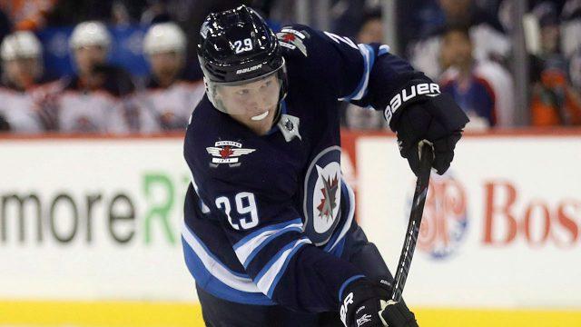 NHL-Jets-Laine-shoots-on-net