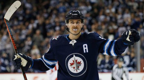 NHL-Jets-Scheifele-celebrates-goal-against-Capitals