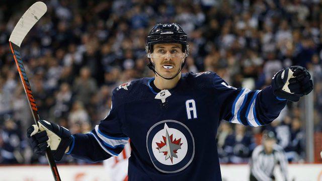 NHL-Jets-Scheifele-celebrates-goal-against-Capitals