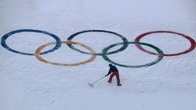 Olympics-logo-on-ski-hill