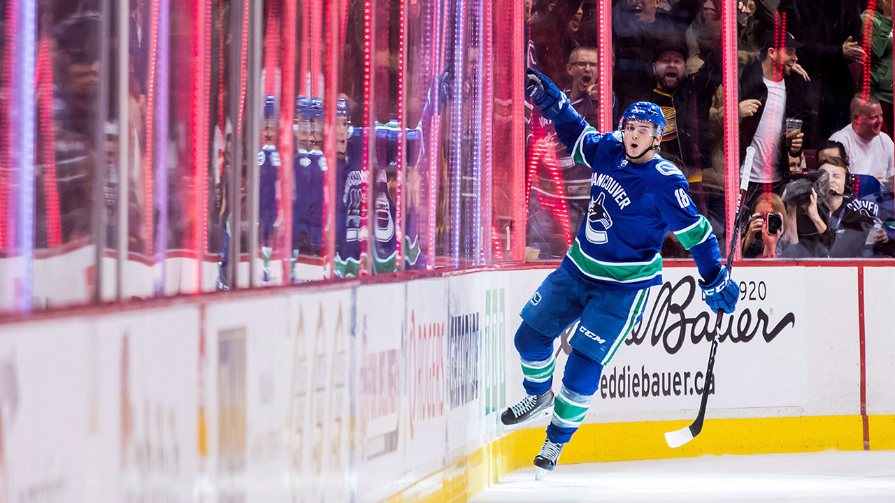 Canucks' Green considering lineup shakeup to turn tide in Game 2 - Sportsnet.ca