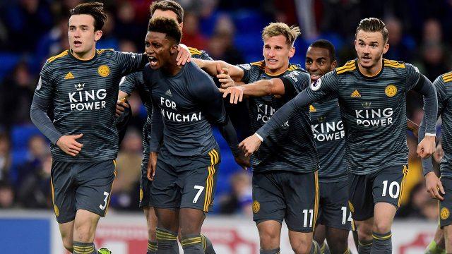 demarai-gray-celebrates-goal-with-leicester-teammates