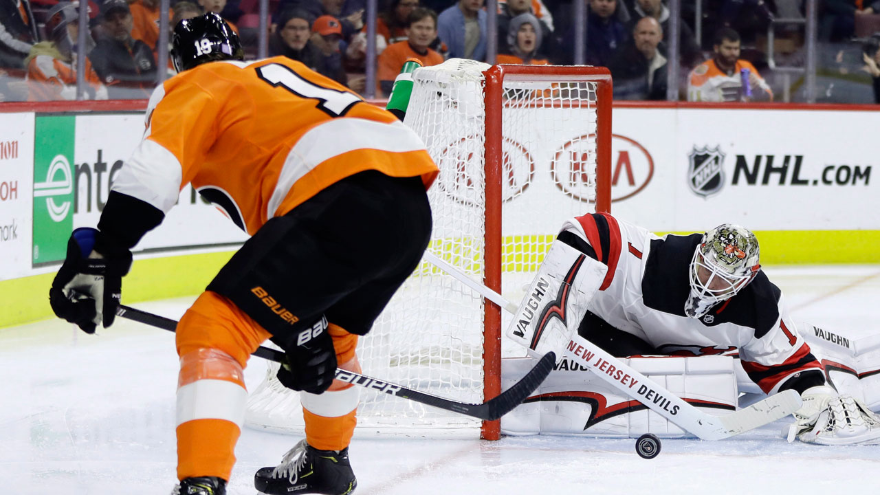 outlet store 59021 0fb40 Devils' Kinkaid makes 29 saves to shutout Flyers - Sportsnet.ca
