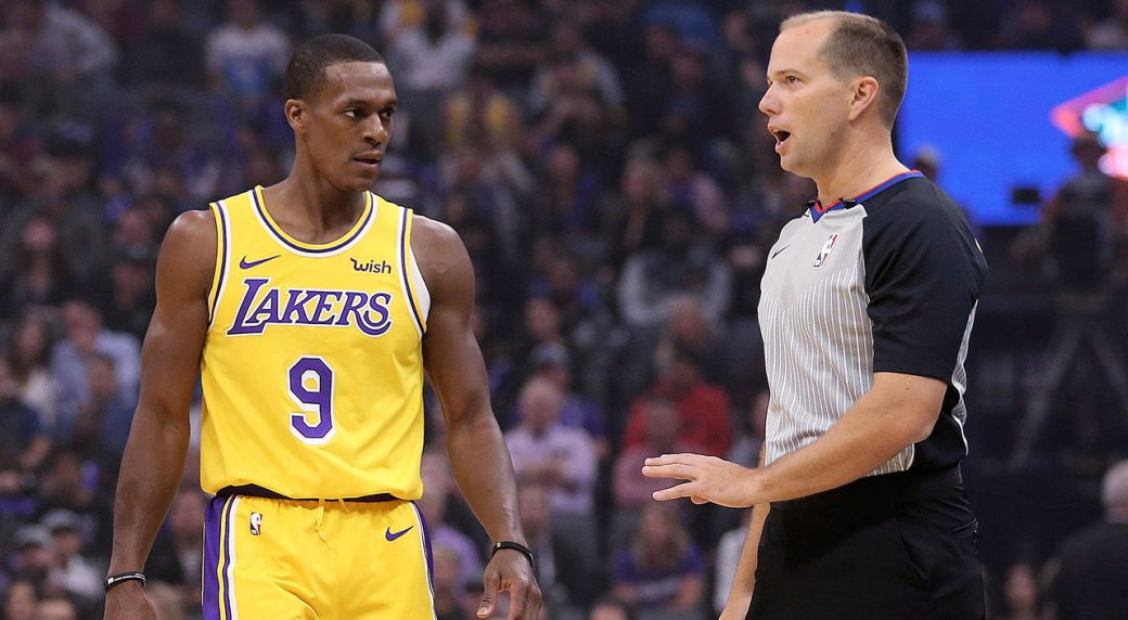 LA Lakers' Rajon Rondo 'suffers fractured thumb'