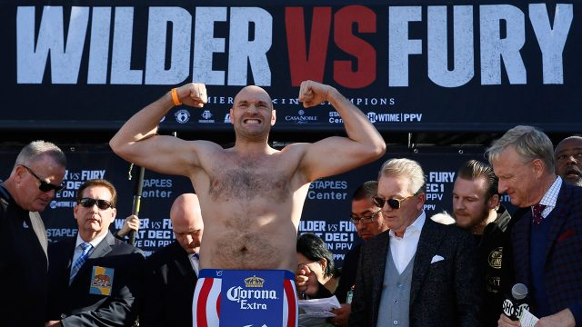 tyson-fury-flexes-at-weigh-ins